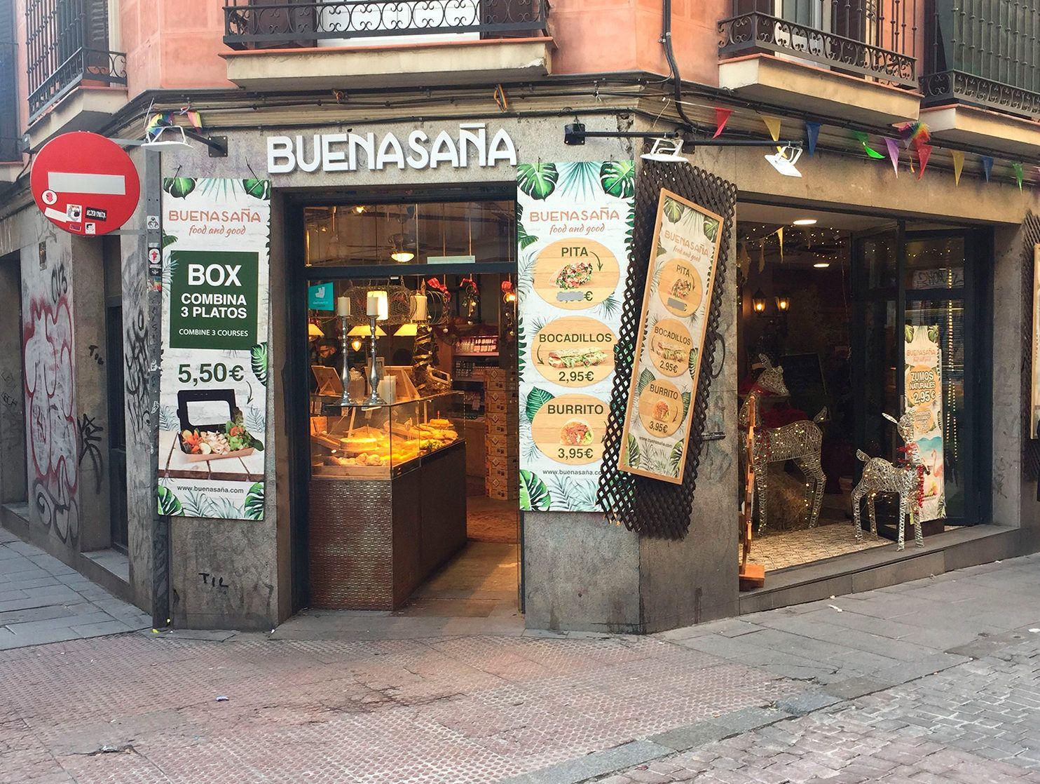 Visión frontal del restaurante Buenasaña